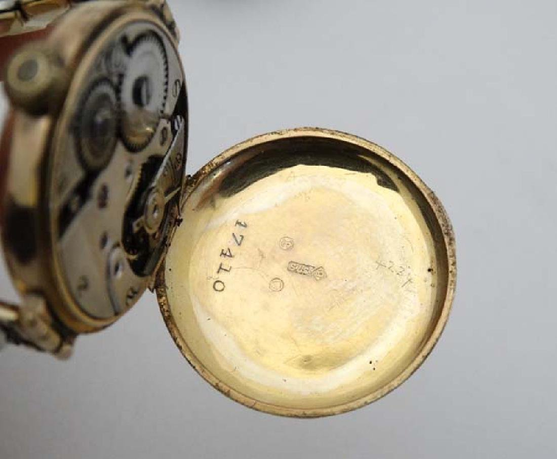 9 ct Gold  : an early Swiss mechanical wristwatch with - 4