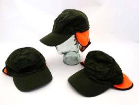 A set of 3 Laksen Stalker Caps, size M. (3)