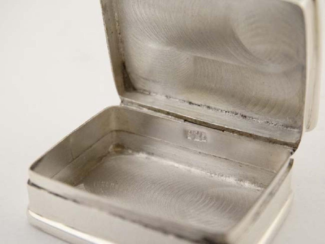 A .925 silver pill box with hinged lid depicting enamel - 2