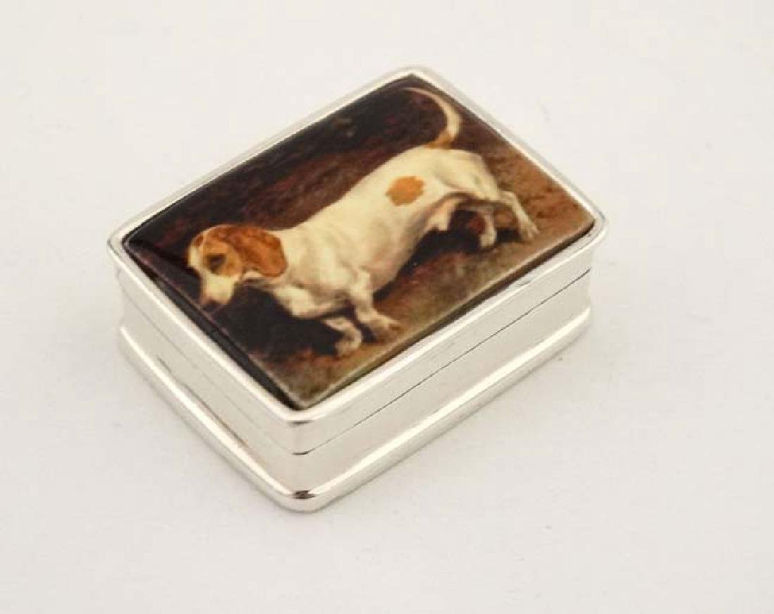 A .925 silver pill box with hinged lid depicting enamel - 3
