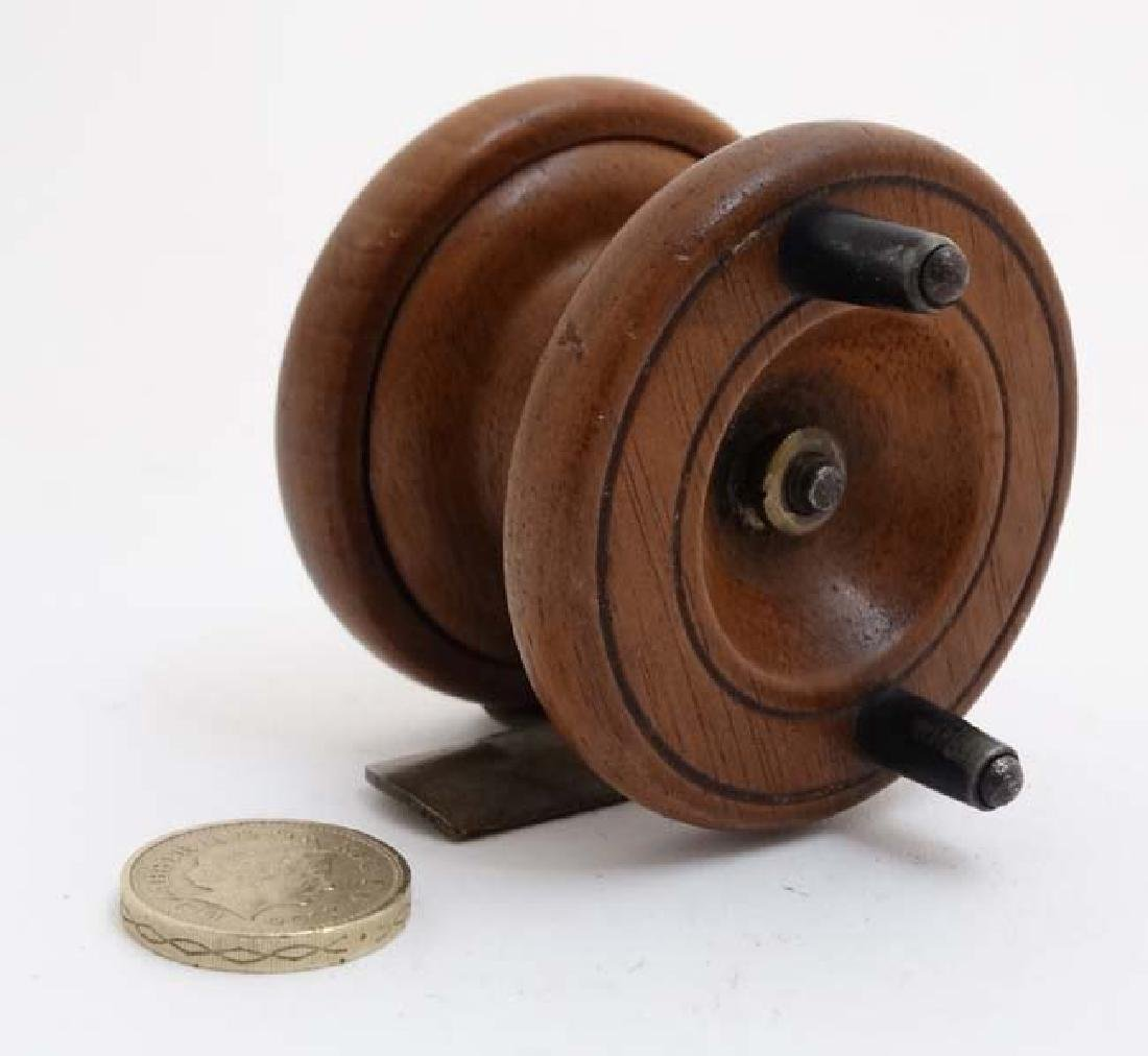 Fly Fishing : An old mahogany and brass 2 3/8 ''reel