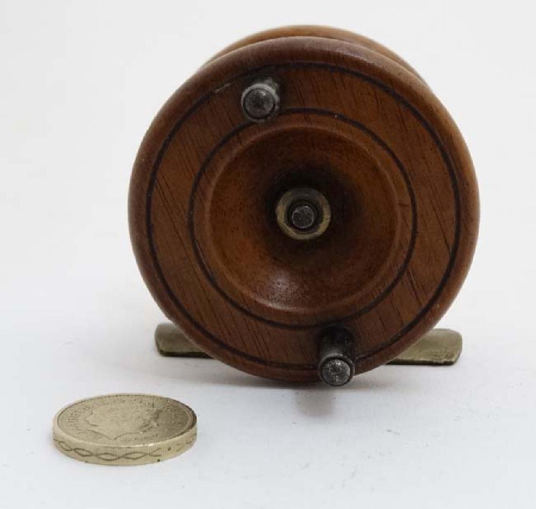 Fly Fishing : An old mahogany and brass 2 3/8 ''reel - 3