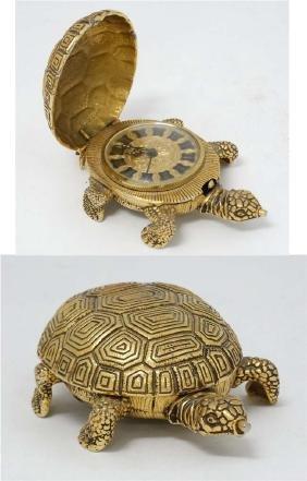 Lance Tortoise alarm clock : an unusual novelty bedside