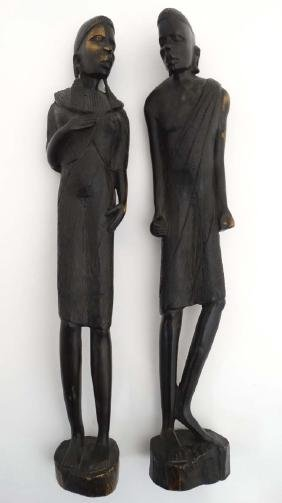 Ethnographic Native Tribal : a pair of carved figures