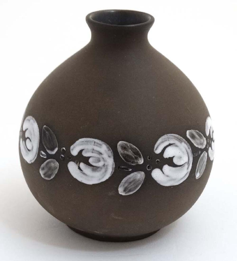 Scandinavian Pottery: A mid/late 20thC Deco