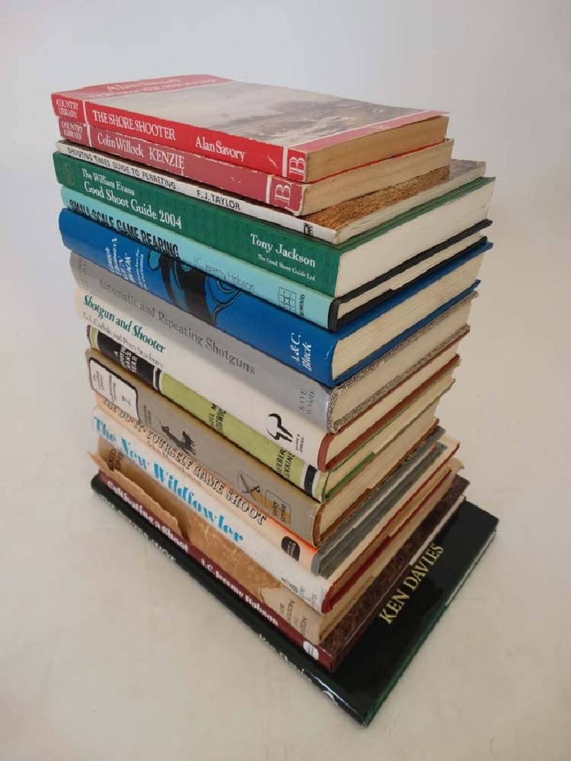 Books: A collection of 14 Sporting Books to include: '' - 3
