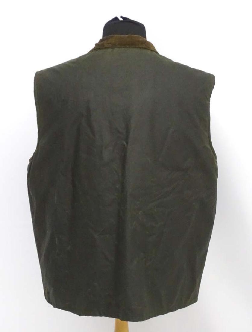 A Green waxed gilet, size XL - 5