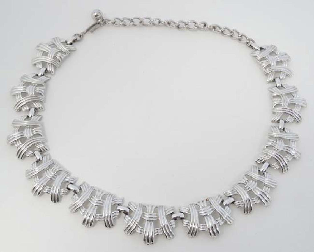 Coro jewellery : A necklace / choker by Coro. Approx