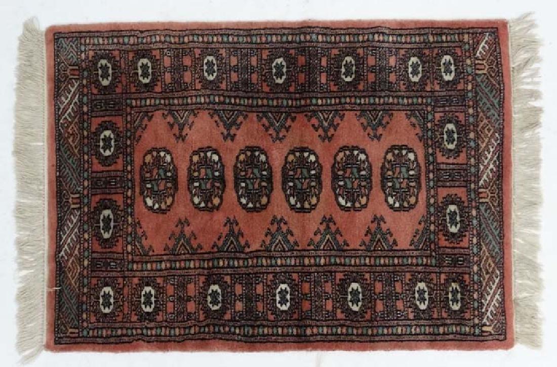 Rug/carpet : a hand made prayer rug with 6 Geometric