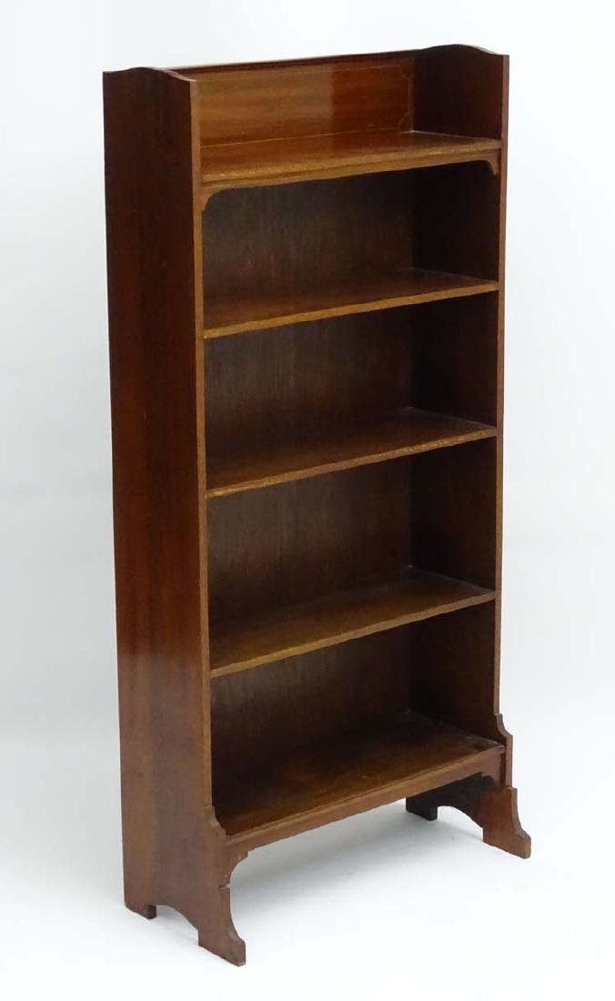 An early 20thC Sheraton Revival freestanding five shelf
