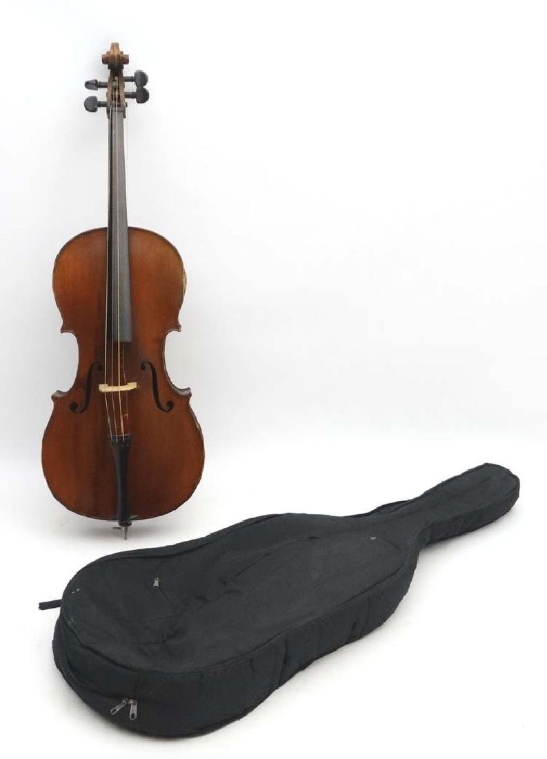 Musical Instruments : An early-to-mid 20thC 1/2 size
