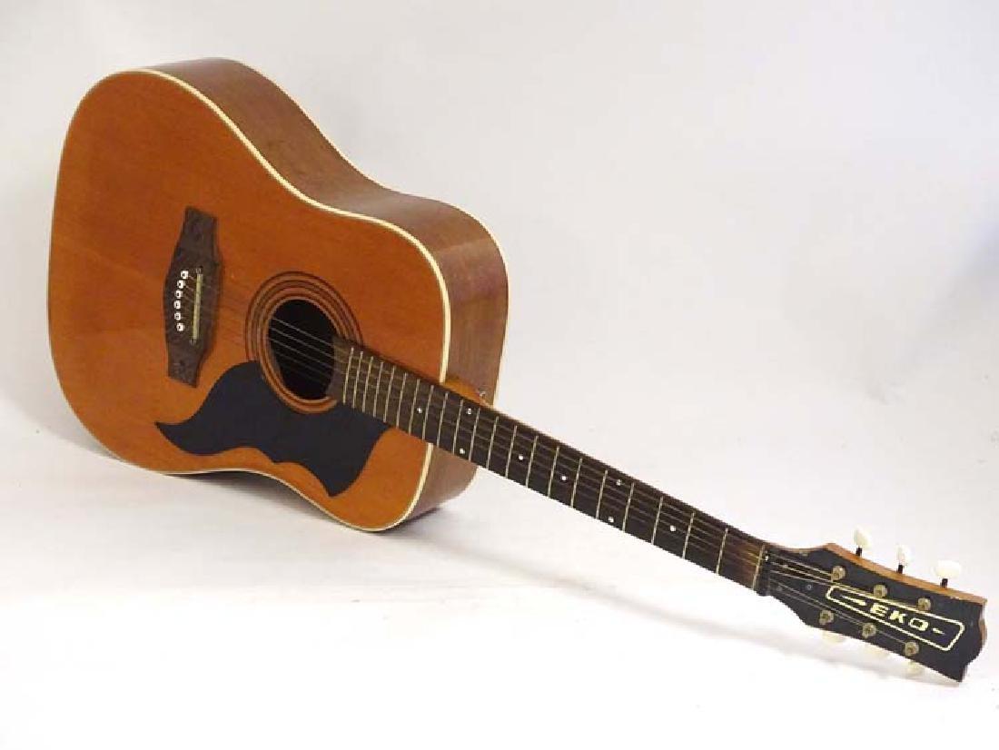 Musical Instruments : A vintage ' Ranger 6 ' Acoustic