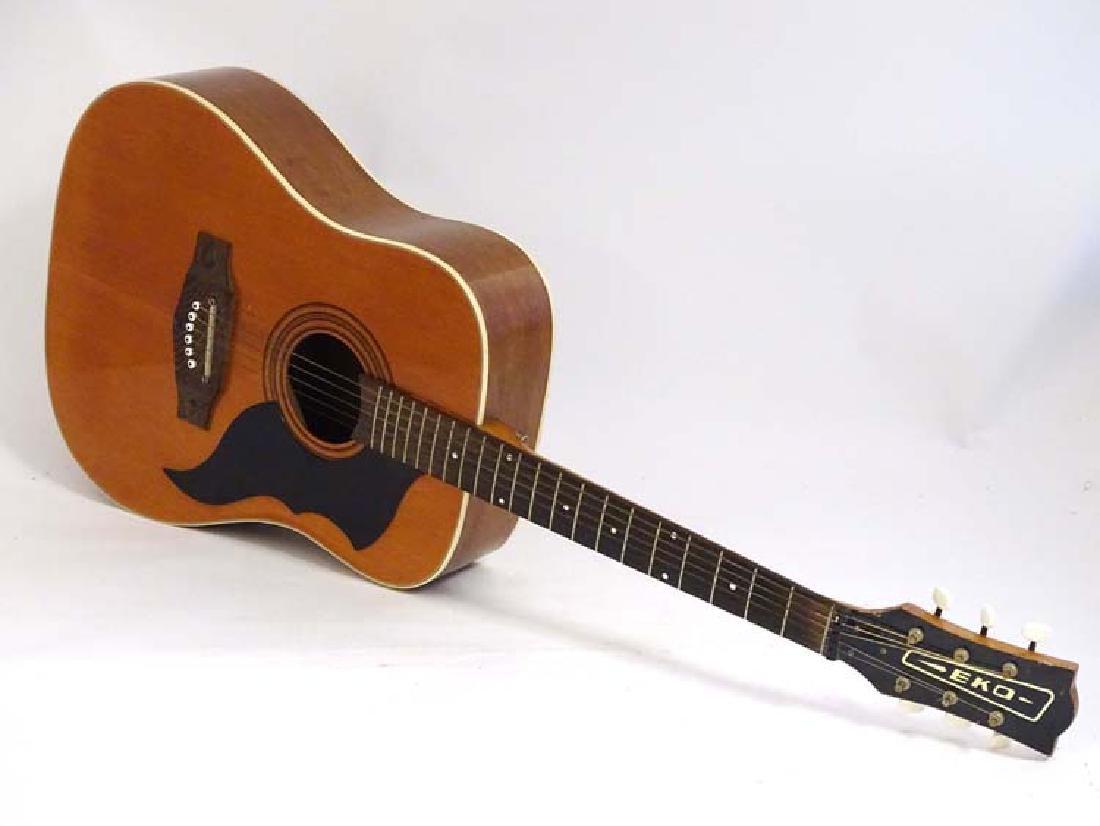 Musical Instruments : A vintage ' Ranger 6 ' Acoustic - 4