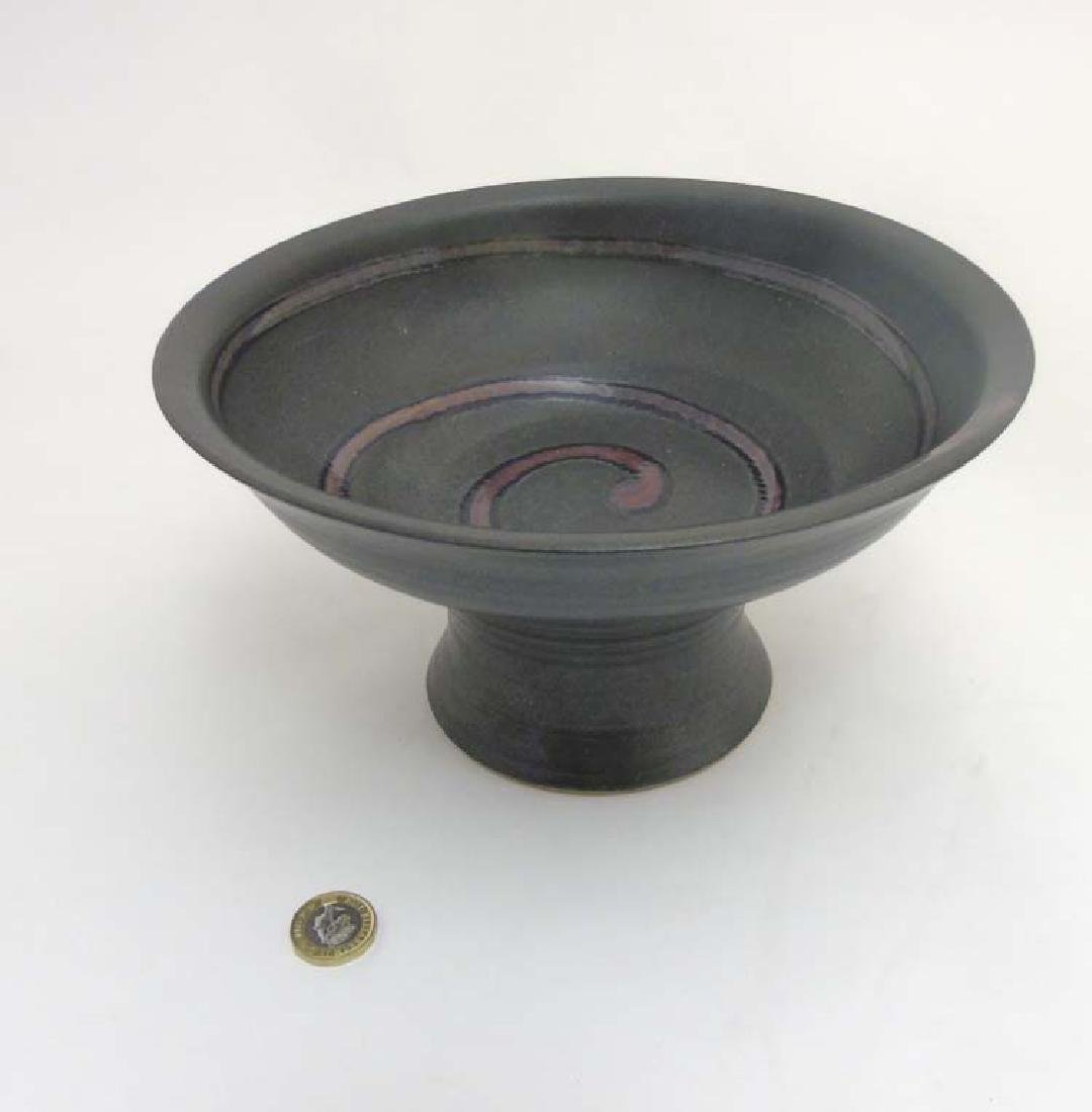 Scandinavian Pottery: A Retro tazza covered in a grey