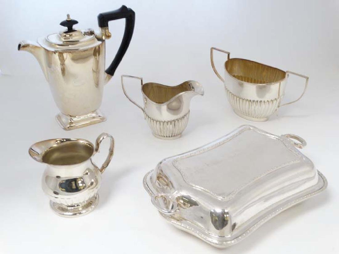 Assorted silver plated wared to include milk jugs sugar