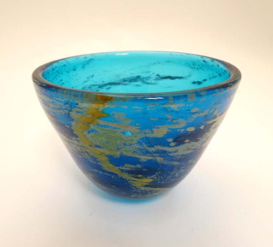 A turquoise Art Glass bowl in the Mdina style 5 3/4''
