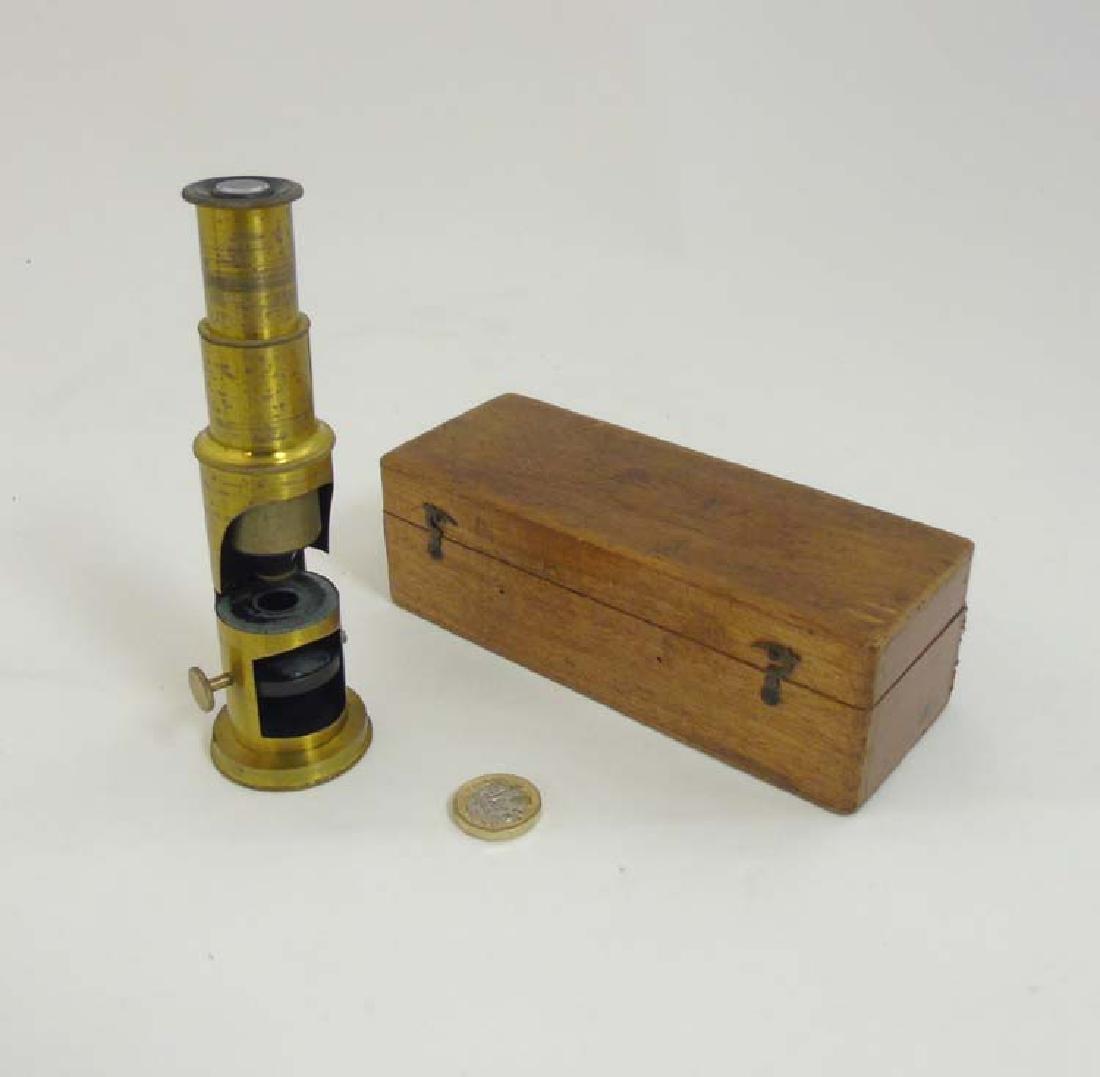 Field Microscope : an circa 1920 lacquered brass - 2