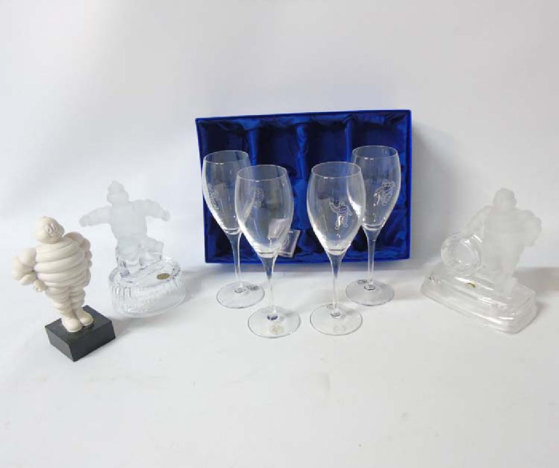 Advertising Glassware : A collection of various