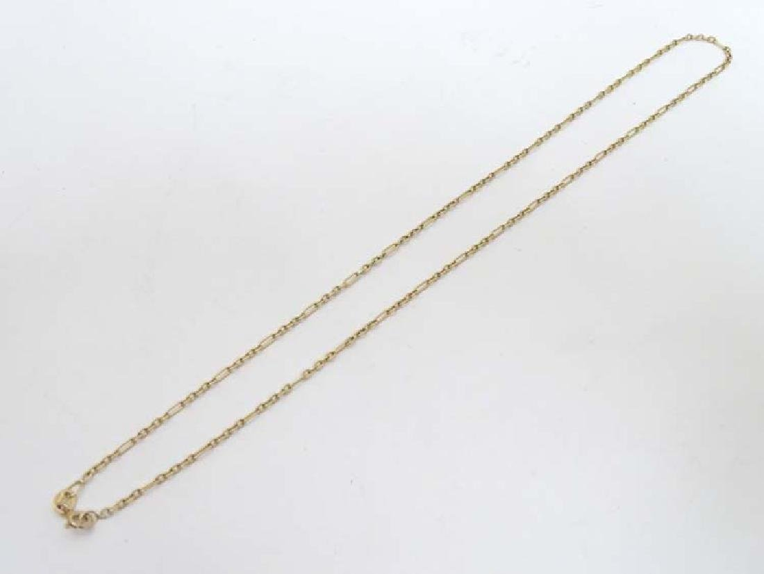 A 9ct gold chain approx 17'' long (4g)