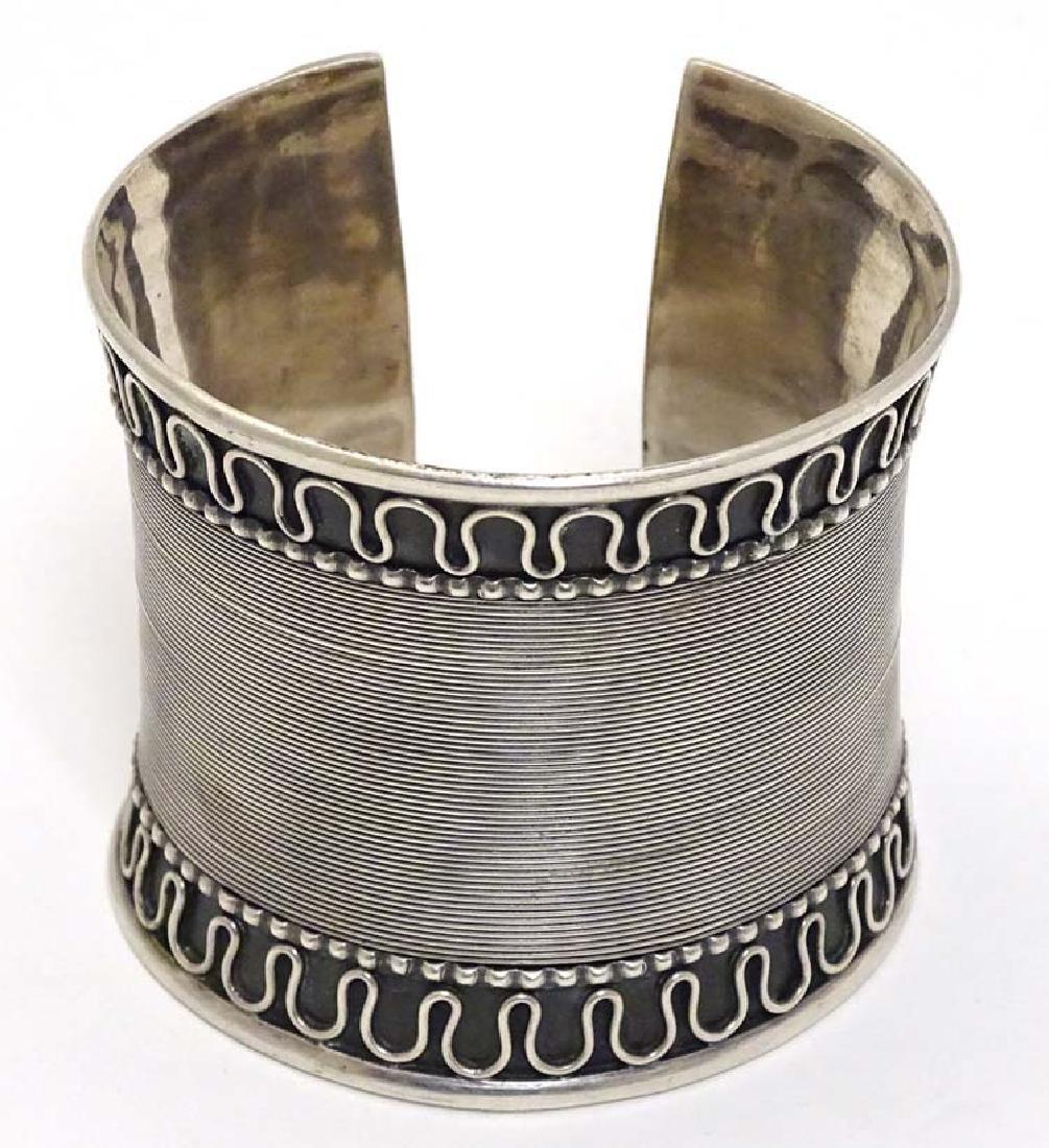 A silver bangle / bracelet of cuff form - 3