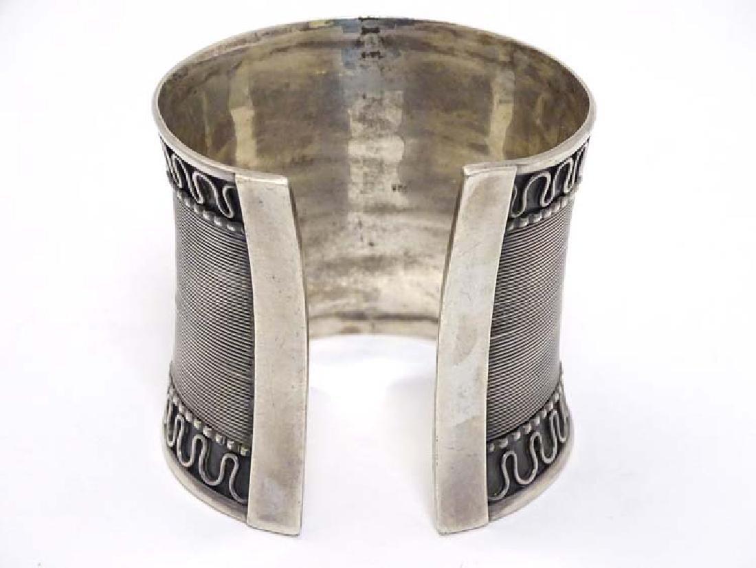 A silver bangle / bracelet of cuff form - 4