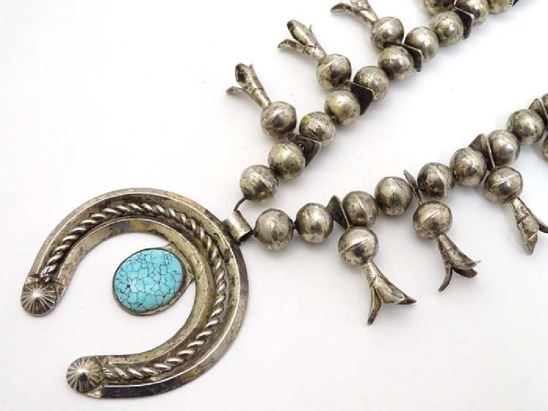 Native American jewellery: A mid 20thC white metal and - 4
