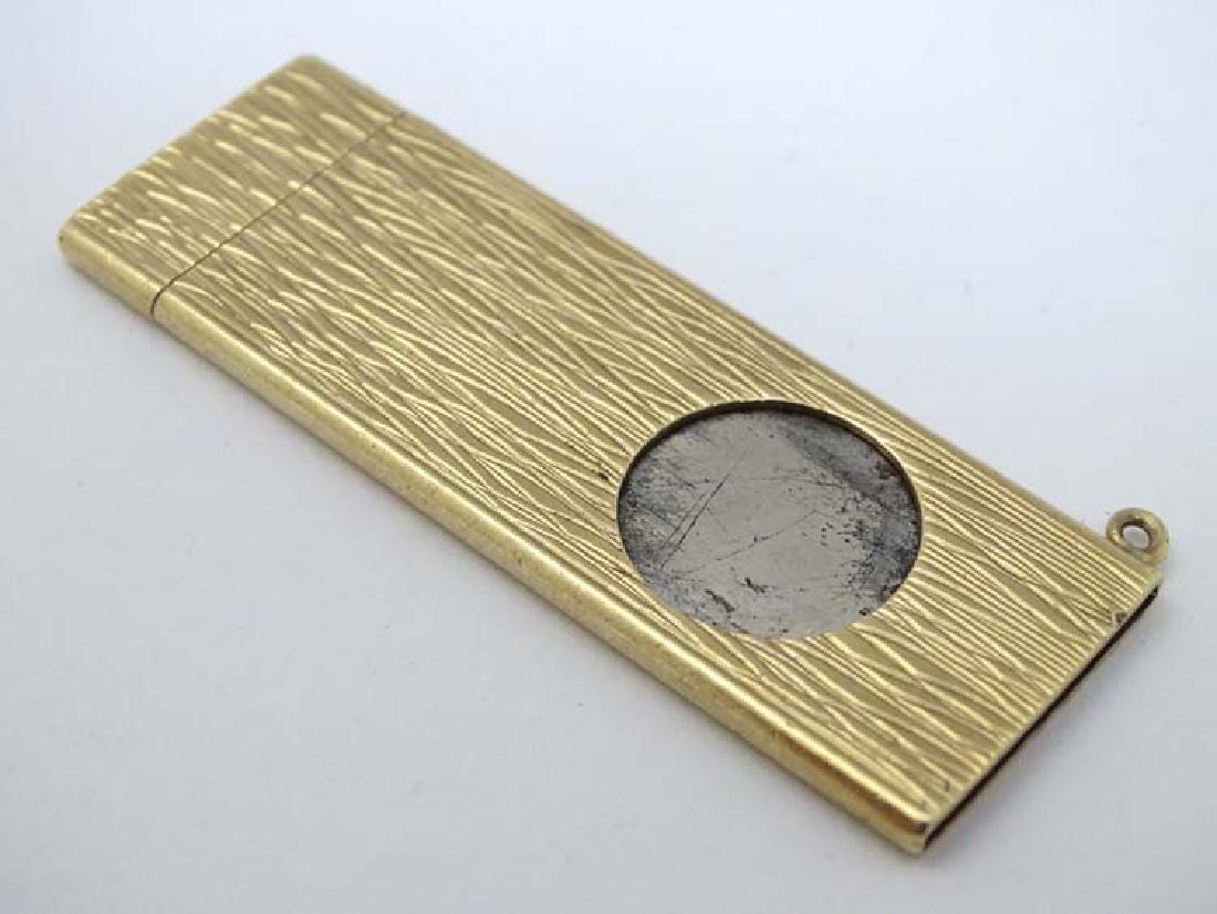 9ct gold cigar cutter  : A .375 & 9ct Hallmarked gold