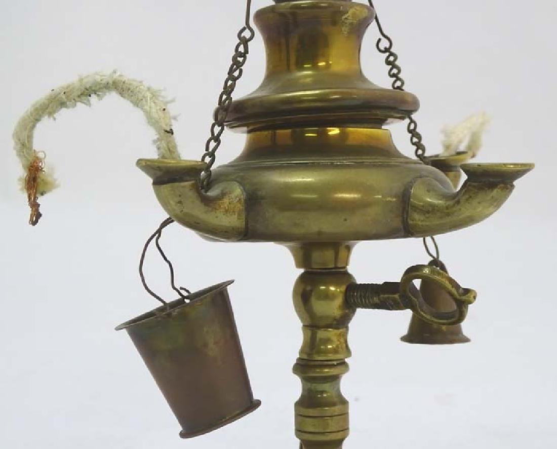 Arabic Oil Lamp : a cast brass classical style oil lamp - 2