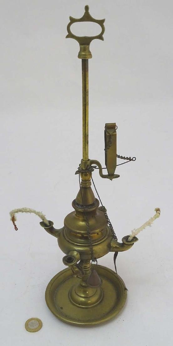 Arabic Oil Lamp : a cast brass classical style oil lamp - 3