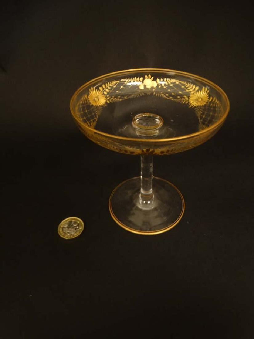 Glass : a pair of Art Deco champagne saucers with gilt - 2