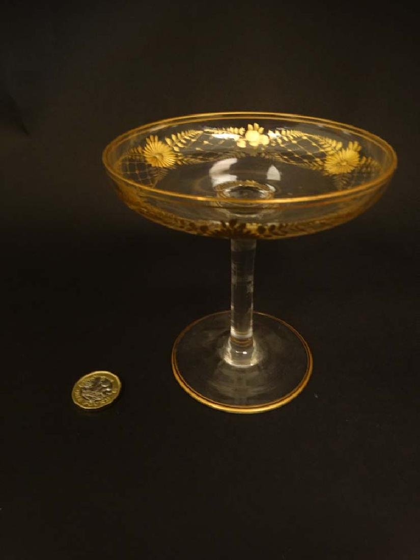 Glass : a pair of Art Deco champagne saucers with gilt - 5