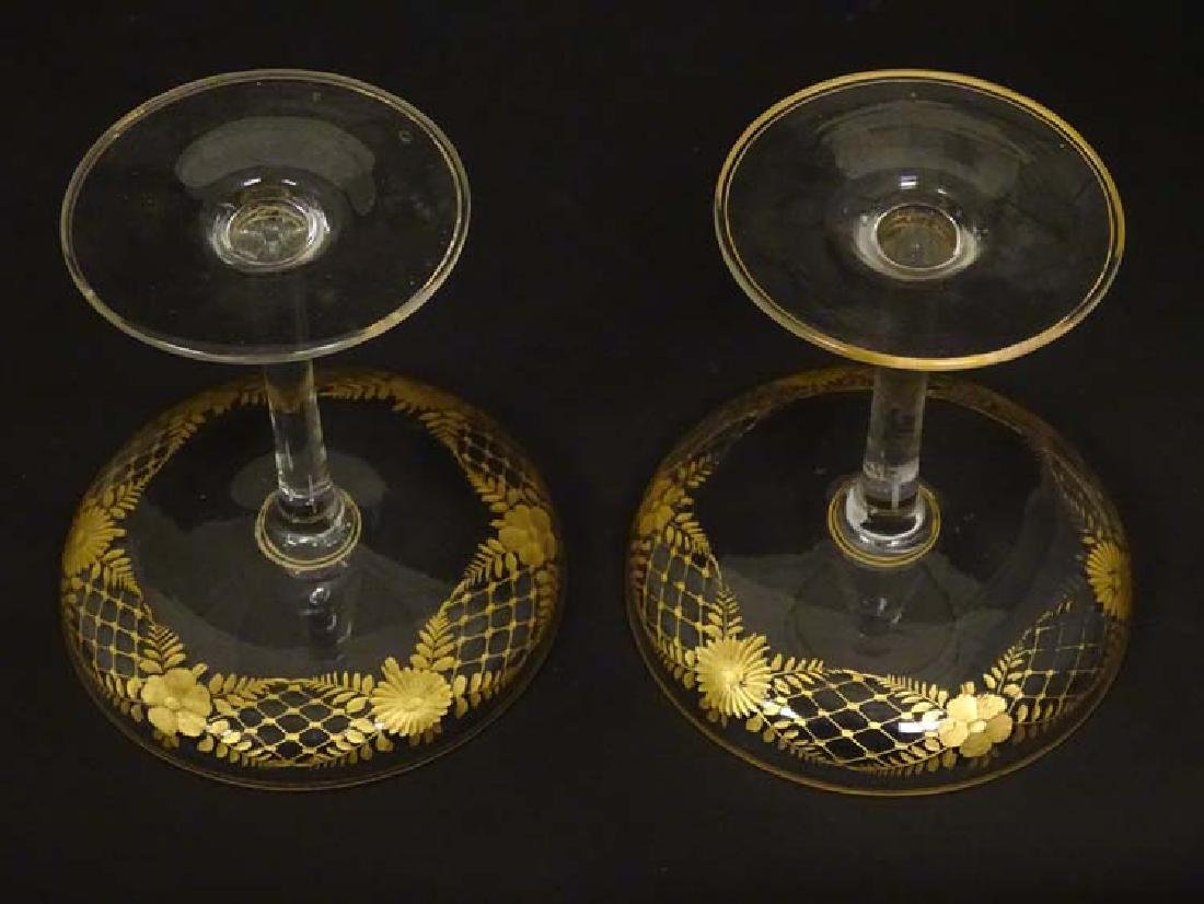 Glass : a pair of Art Deco champagne saucers with gilt - 6