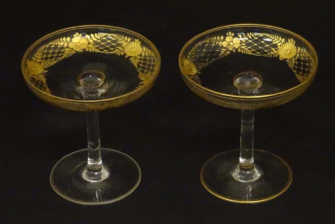 Glass : a pair of Art Deco champagne saucers with gilt - 7