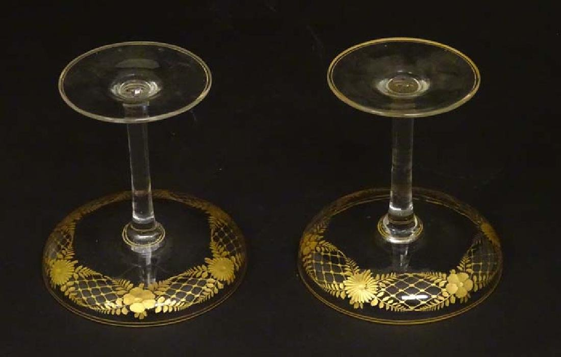 Glass : a pair of Art Deco champagne saucers with gilt - 8