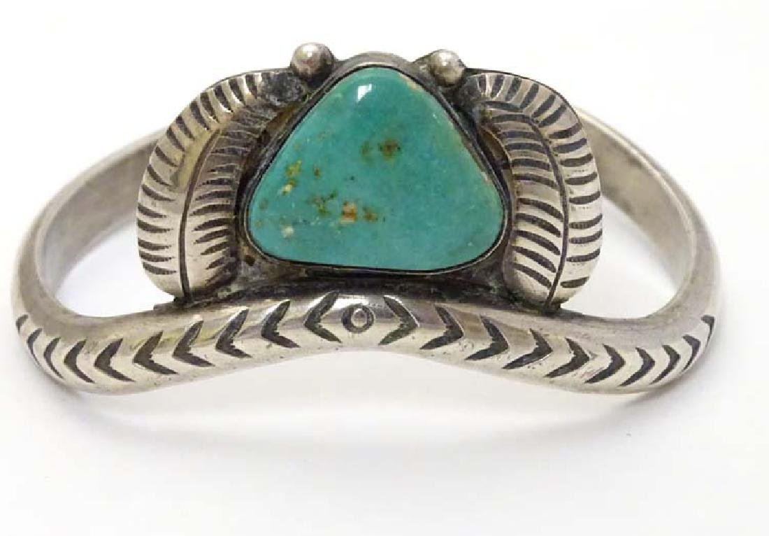 Native American jewellery : A white metal bracelet / - 3