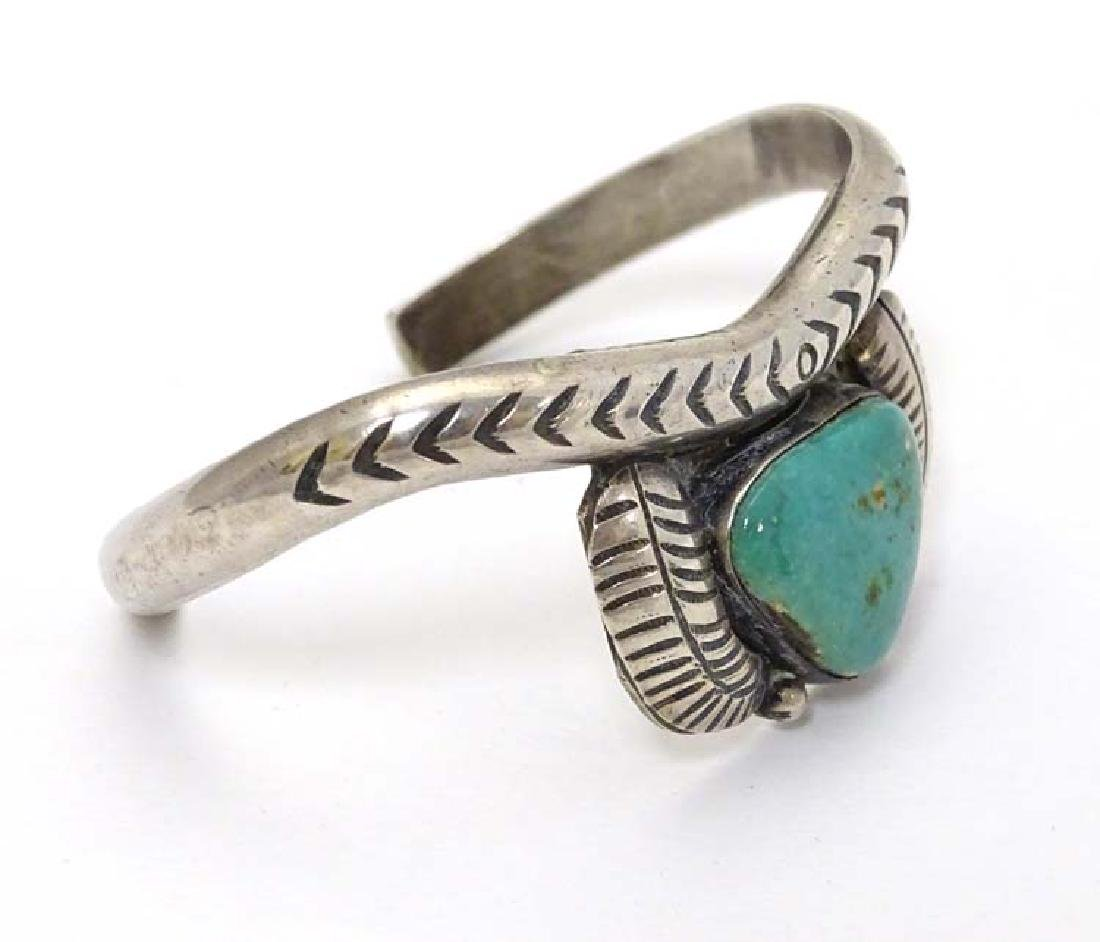 Native American jewellery : A white metal bracelet / - 4