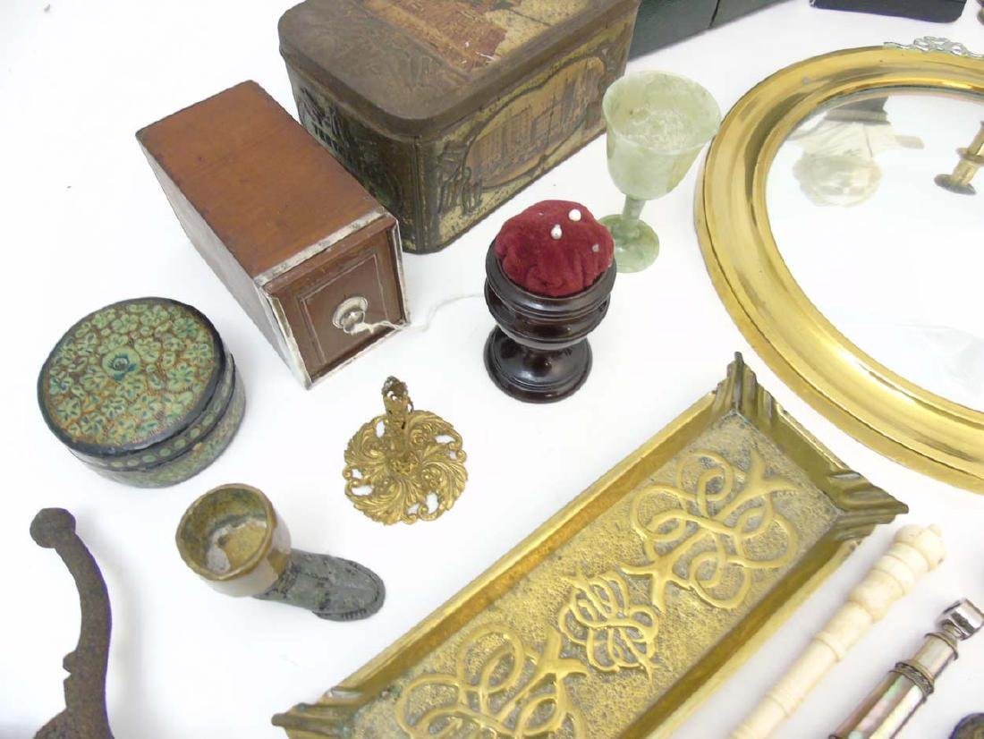 A box containing a quantity of assorted items to - 5