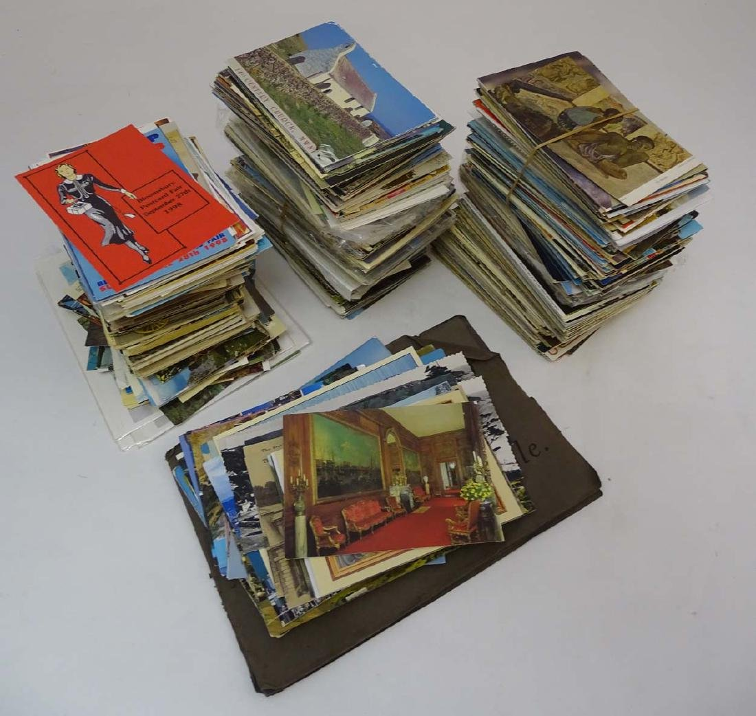 Postcards: An extensive collection of predominantly - 3