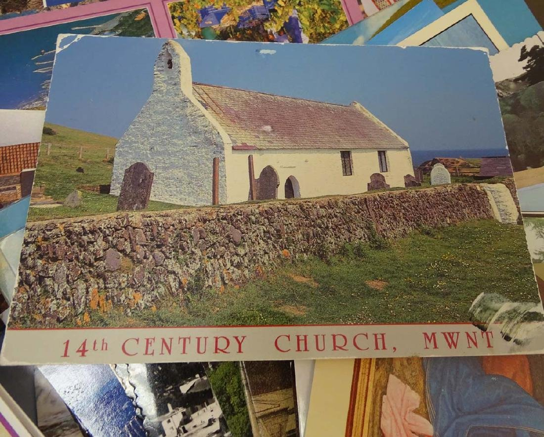 Postcards: An extensive collection of predominantly - 7