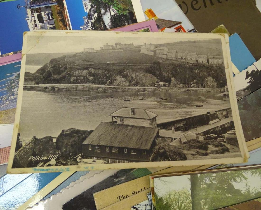 Postcards: An extensive collection of predominantly - 8