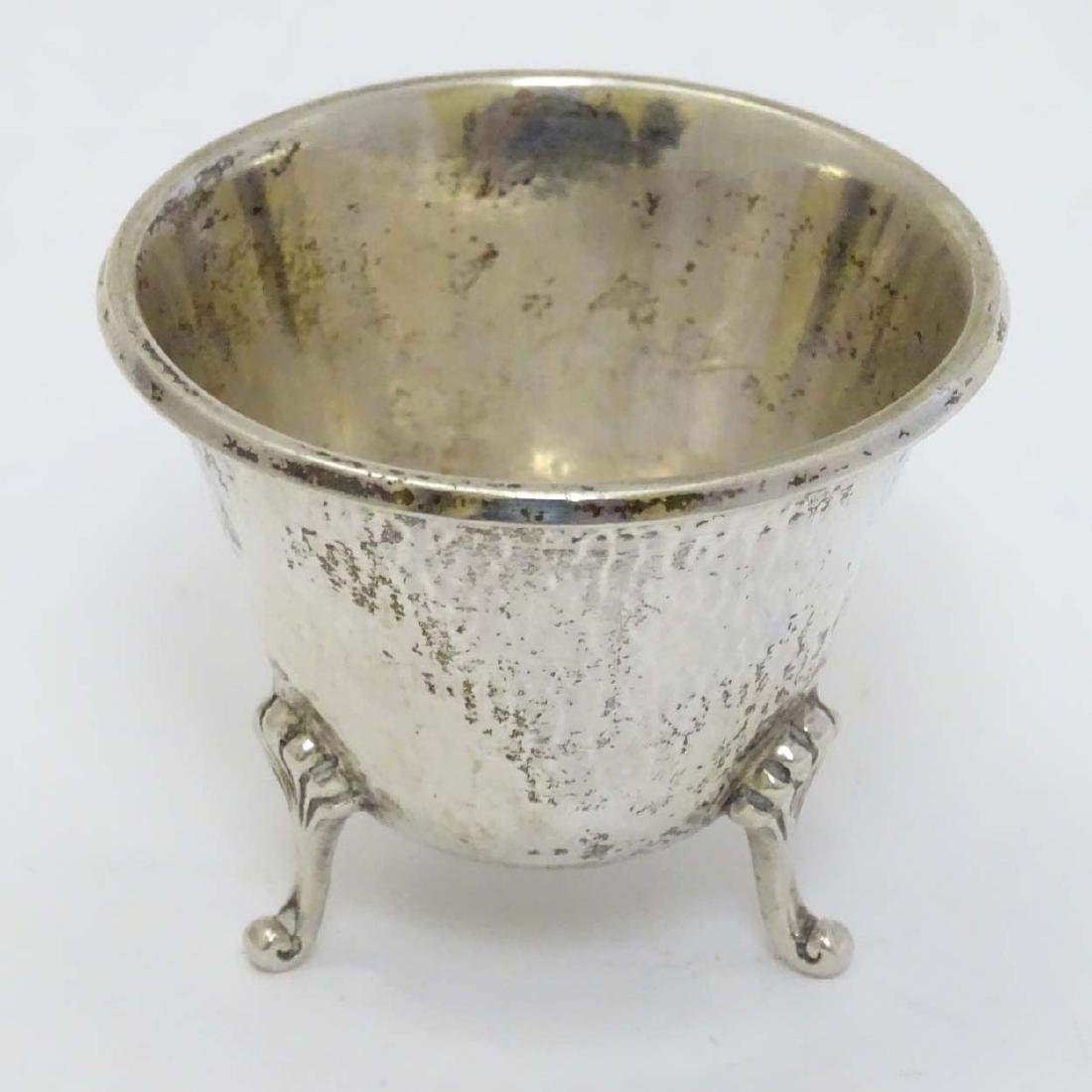 A German Arts and Crafts small bowl with hammered - 3