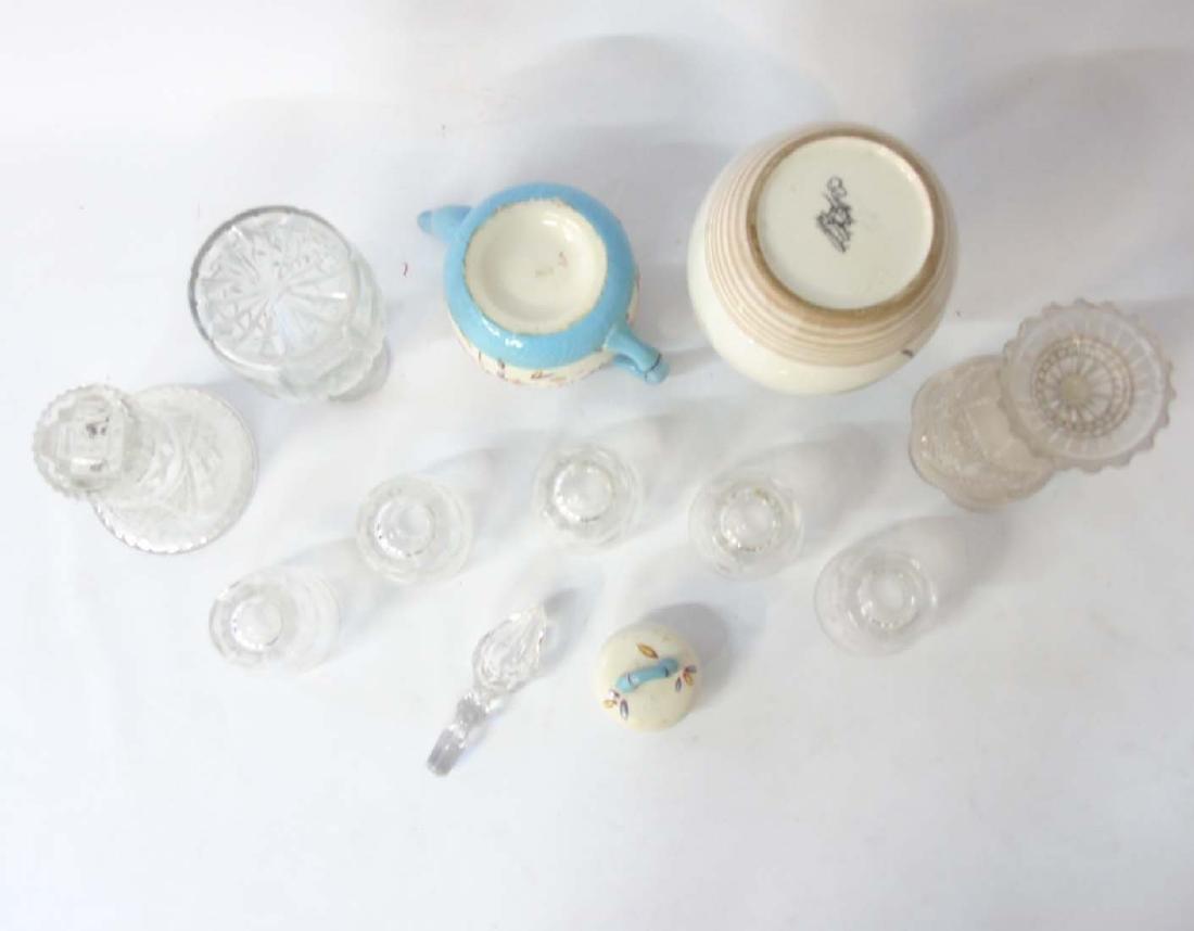 A quantity of assorted glass and ceramics comprising, a - 6