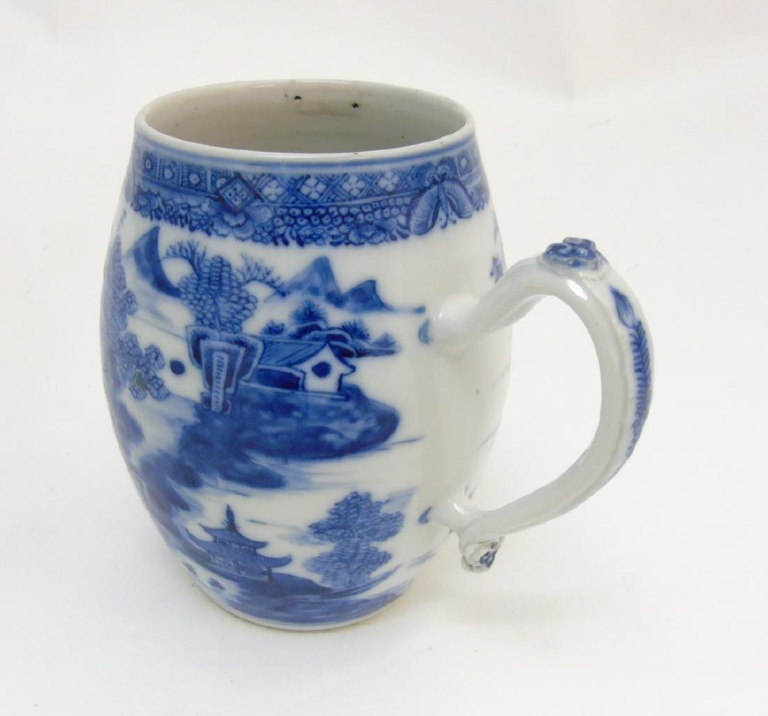 An 18thC Chinese blue and white export tankard,