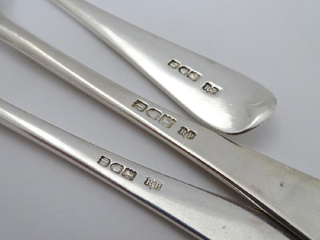 A silver table fork, together with a dessert fork - 2