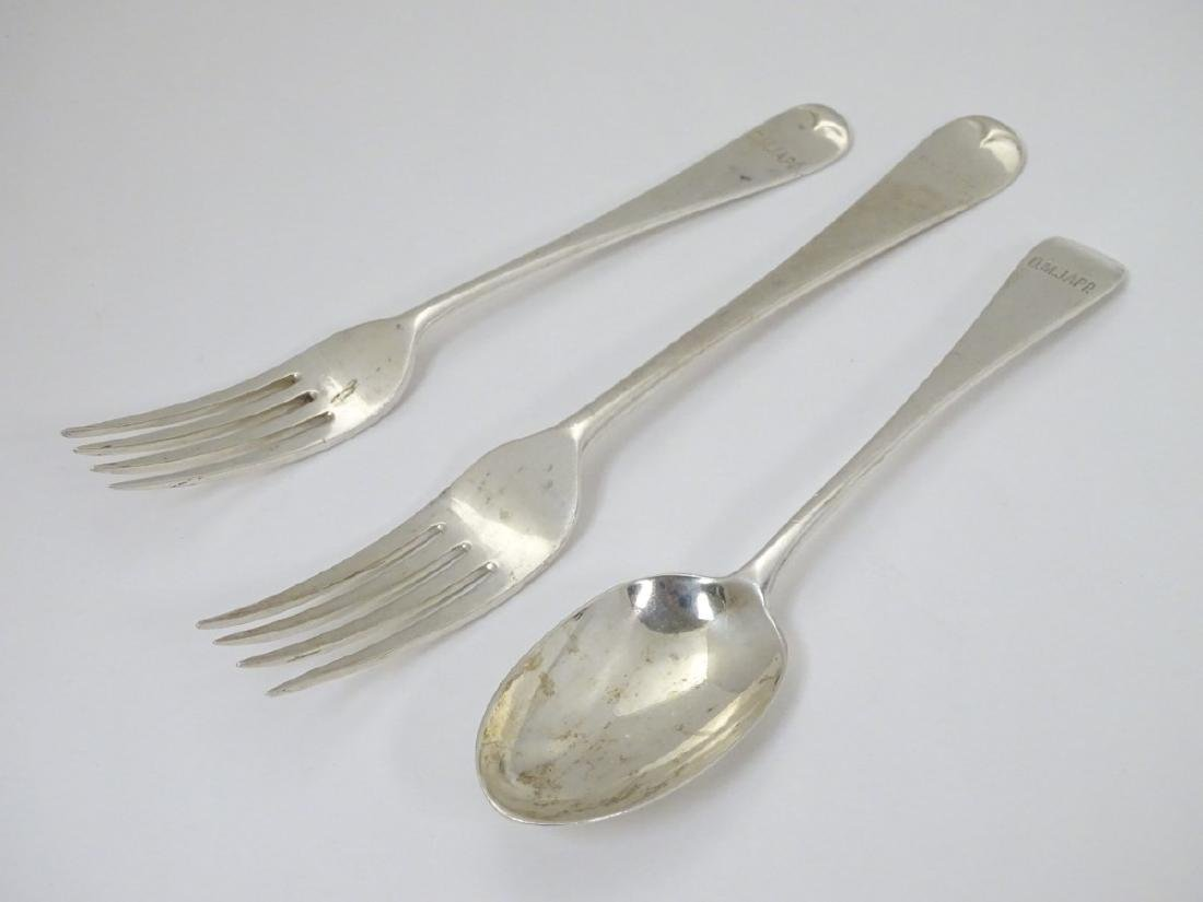 A silver table fork, together with a dessert fork - 3