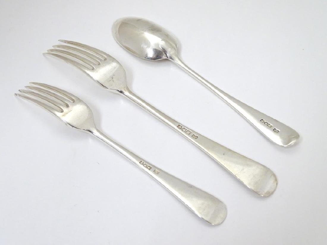 A silver table fork, together with a dessert fork - 4