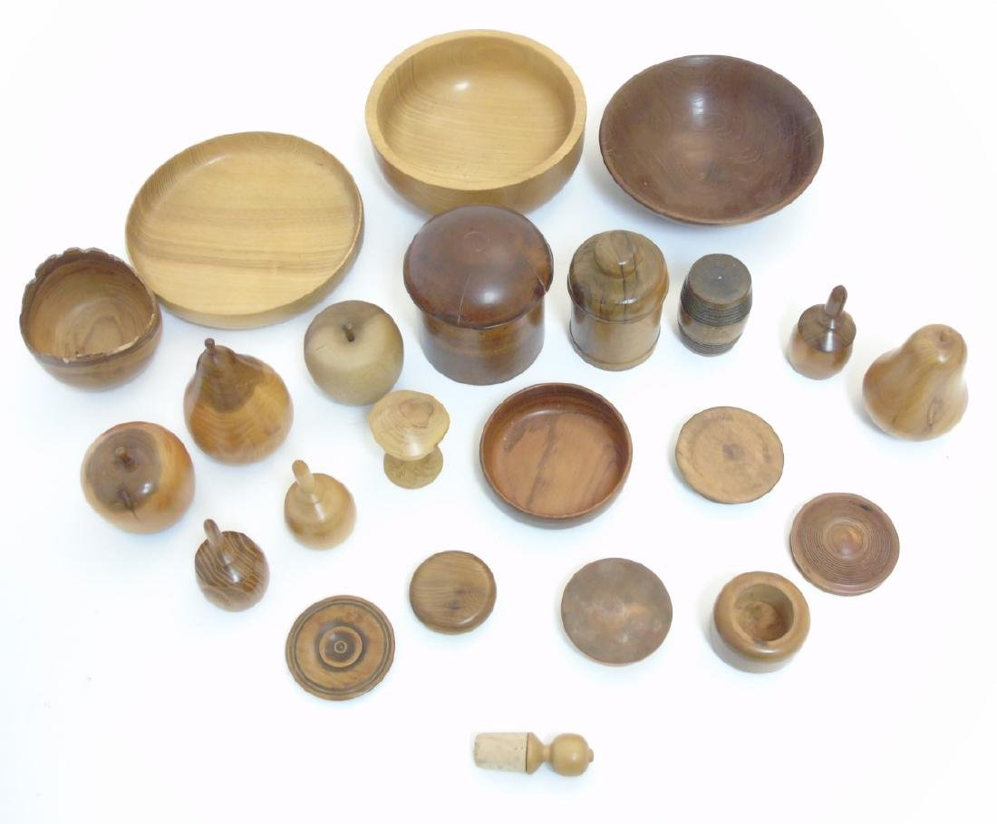 Treen etc: Assorted 19thC and later turned wood to - 2
