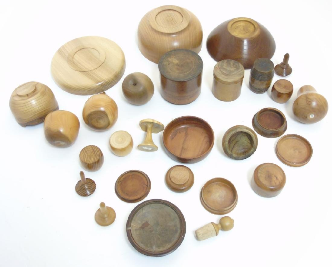Treen etc: Assorted 19thC and later turned wood to - 5