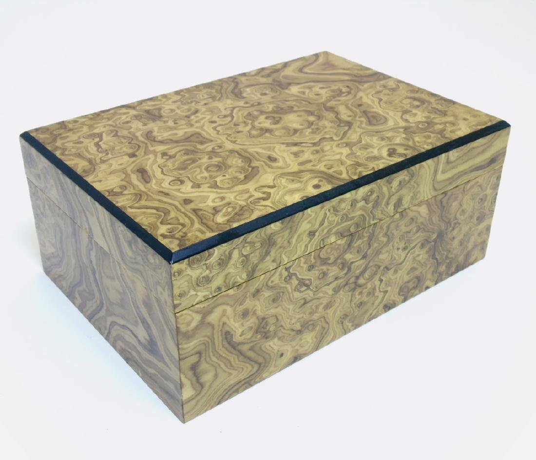 A mid - late 20thC burrwalnut (unstained) cigar humidor - 3