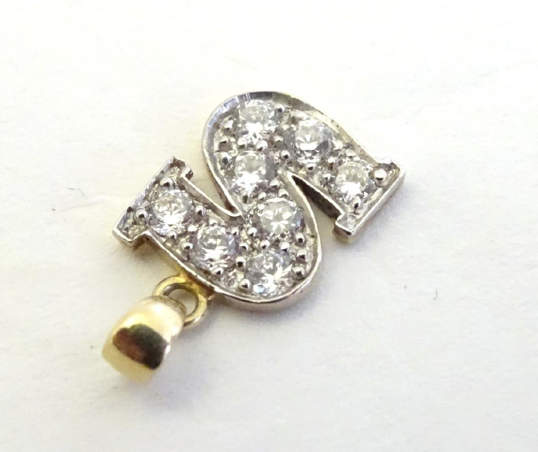 A 9ct gold pendant  / charm formed as the letter 'S' - 2